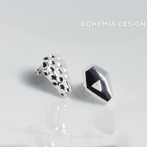 Name earrings is the star: BETRIA