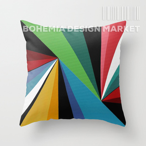COLORFUL THROW PILLOW COVER - TOUCHES OF TRIANGLES